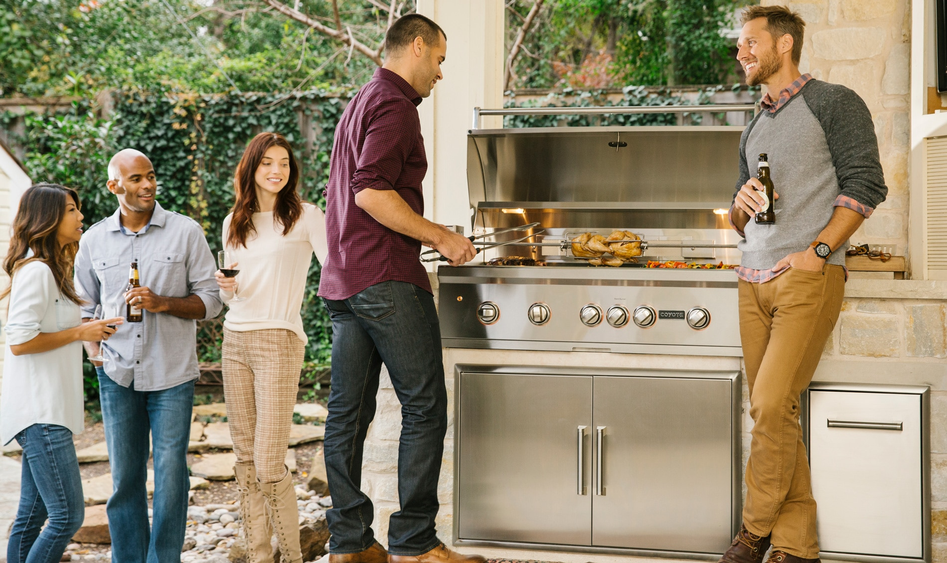 Partygoers Enjoy Built-In 42-Inch S-Series Grill